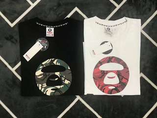 AAPE Tee in blk or white