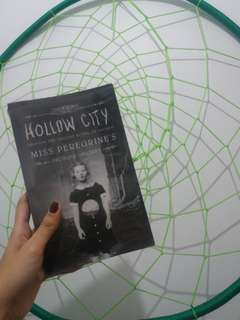 Hollow City; Miss Peregrine's #2