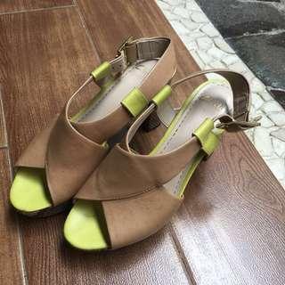 Clarks Heels (Untuk Wanita)