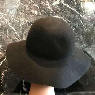 🚚 H&M 黑色冬季太陽帽
