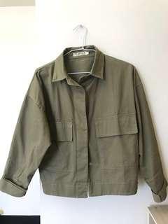 🚚 軍綠挺版外套
