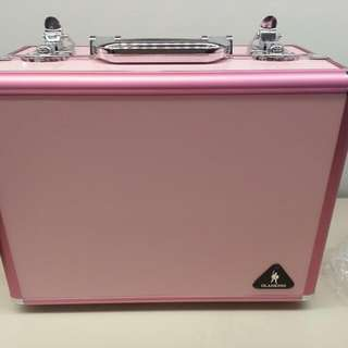 REPRICED REPRICED!!  Vanity Case With Bulbs