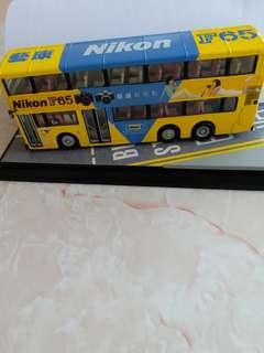 懷舊容祖兒模型巴士編號0008