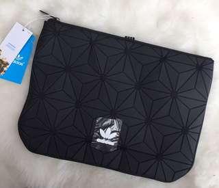 FREE POSTAGE + FREE GIFT!! Adidas 3D Clutch Bag | TRIPLE BLACK!!