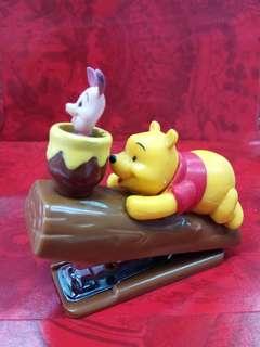 二手 Winnie the pooh 釘書機