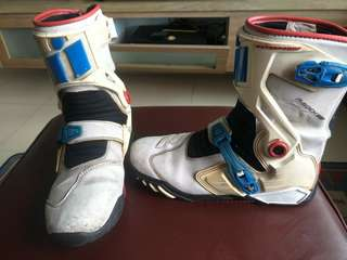 Icon Raiden Motorcycle Boots