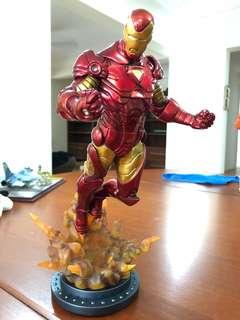 Hasbro marvel Universe Iron Man statue