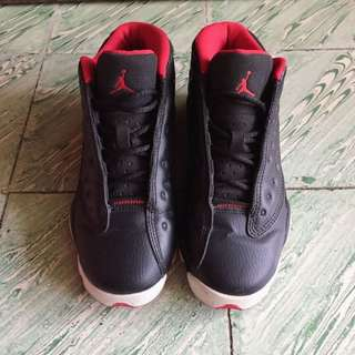 Air Jordan 13 low black/university red