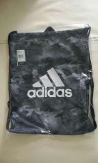 Adidas袋