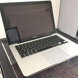 Macbook Pro 13 early 2011 2.7ghz core i7 500gb 8gbram