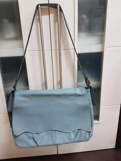 Oversized leather bag