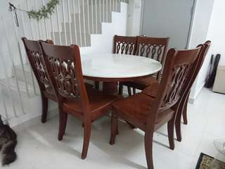 Marble round table + 6 chairs