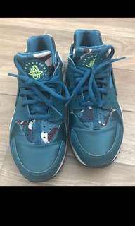 nike huarache shoe runner