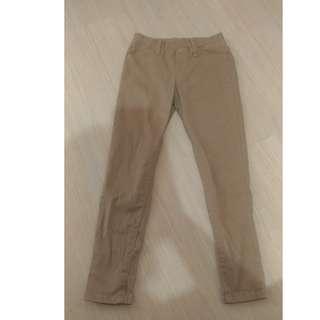 uniqlo 男童 特級彈性 輕便窄管長褲 S