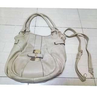 Beige leather fashion bag 💕