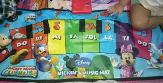 Music mat. Piano for babies.