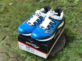 Saucony triumph iso 4 - running shoes