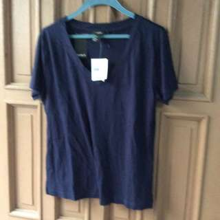 Brandnew Forever21 Navy Blue Basic Tee