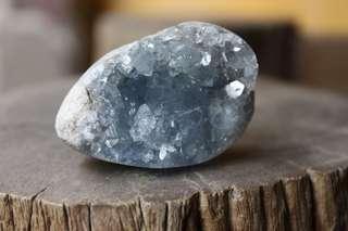 CELESTITE Small Crystal Geode [CEL002]