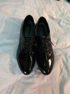 🚚 Gazza率性牛津藍底皮鞋