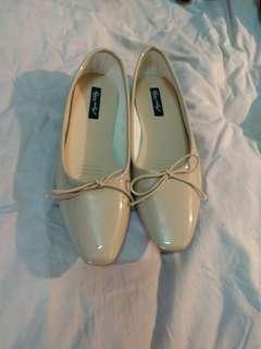 🚚 全新!韓版氣質平底鞋