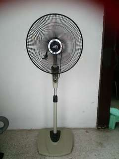 Afantgarde Standing Fan