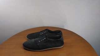 Sepatu Formal TUF