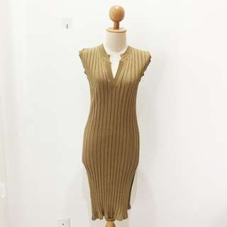 🆕BRAND NEW  V Neck Ribbed Knitted Sleeveless Dress