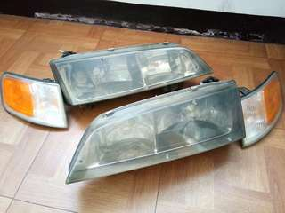 Honda accord headlight w/ braces