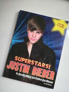 JUSTIN BIEBER SUPERSTARS IN THE SPOTLIGHT AND BEHIND THE SCENES