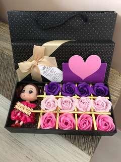 🌷🌹Gorgeously Handmade flower soap roses gift box🌷🌹