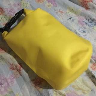 (REPRICED) 2L Dry Bag