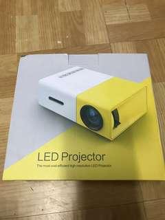 迷你投影機 LED Projector