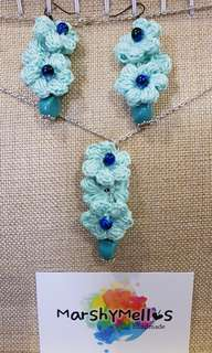 Crochet Bloo earrings & necklace set