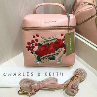 Charles&Keith BACKPACK EMBROIDERED PINK