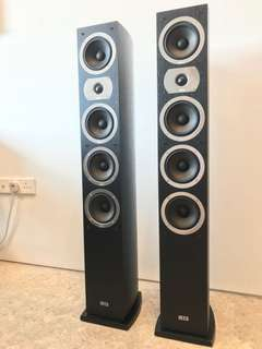 Pair of HECO Victa 601, 3 way standing speakers. Mint