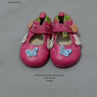 Dora the Explorer shoes Size 2 / 11cm outsole
