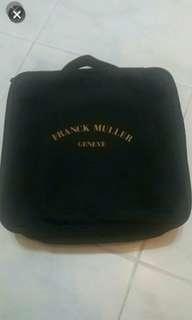 出售全新franck muller旅行套裝( 頸枕,全球通萬用蘇,萬用掛袋),最後一套
