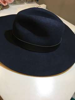 Floppy hat from Topshop