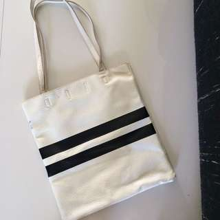 Cordes and Totes White Leather Tote Bag