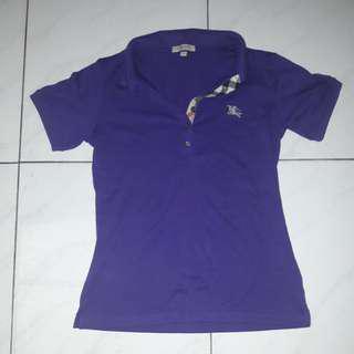 Kaos kerah ungu