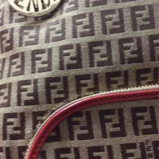 FENDI九成新包包