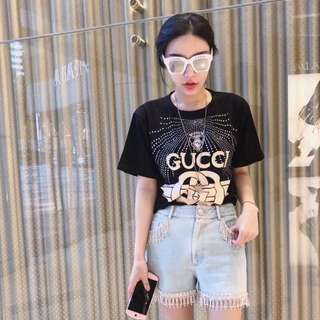Gucci tee in blk or red