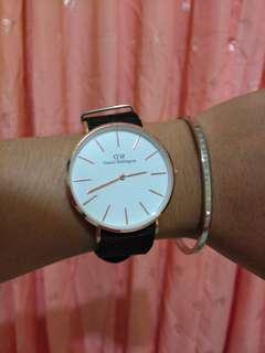 Jam tangan daniel wellington dan gelang cuff