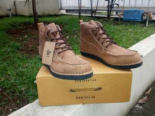 "Brodo ''""Beta Choco Tan Black Sole''""  Size 43"