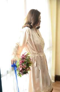 Bridal robe with lace