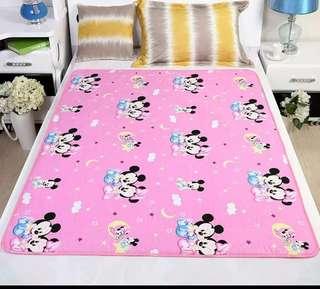 Cutie cartoon waterproof pad