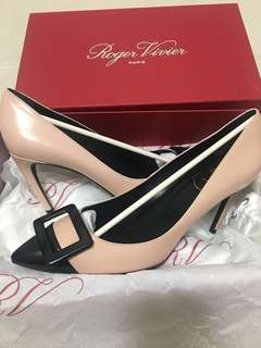Roger Vivier Shoes size 38