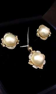 珍珠耳環 18k Japanese Half Pearl Diamond encrusted earrings + pendant