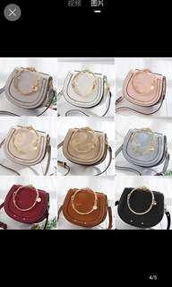 🚚 韓式側背包包 照片中間的 小 杏色 包郵